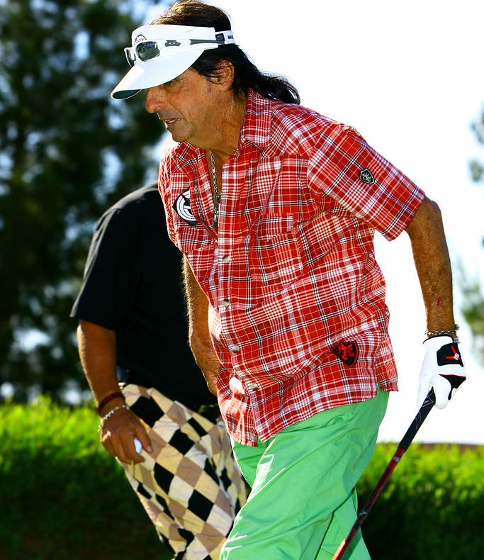 Alice Cooper hrá golf