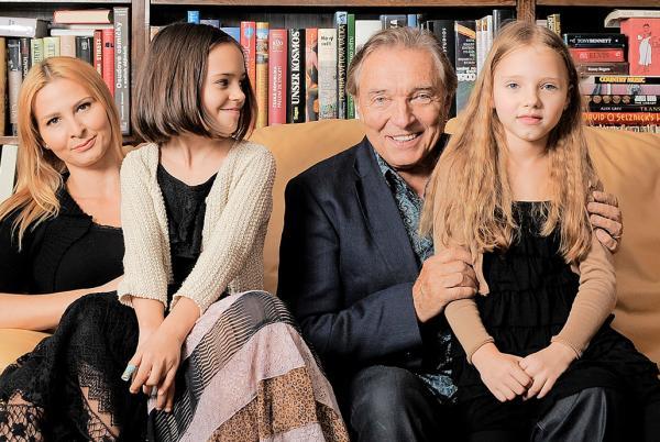 Karel Gott, manželka Ivana a dcéry Charlotte a Nelly