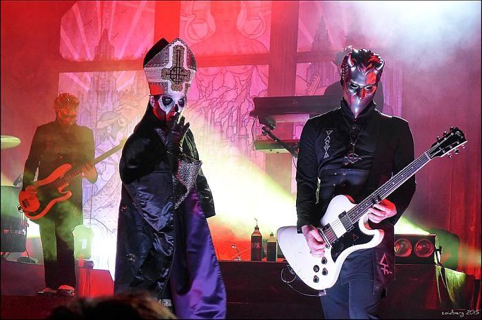 Ghost Bezmenní ghoulovia a Papa Emeritus